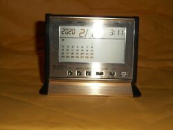 Vintage Quartz Executive Bulova Desk Clock Calendar Alarm