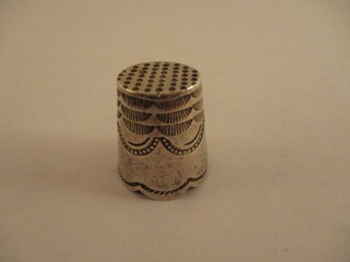 Antique Vintage 925 Sterling Silver Thimble Flat Top Scallop Edge Ornate Engrave