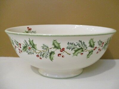 ST NICHOLAS SQUARE HOLLY BERRY OVAL SERVING / SALAD BOWL- 11