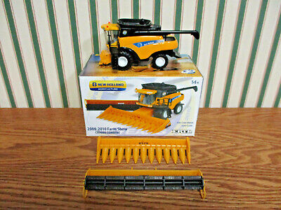 New Holland CR9080 Combine 2009-2010 Farm Show Edition By Ertl 1/64th Scale >