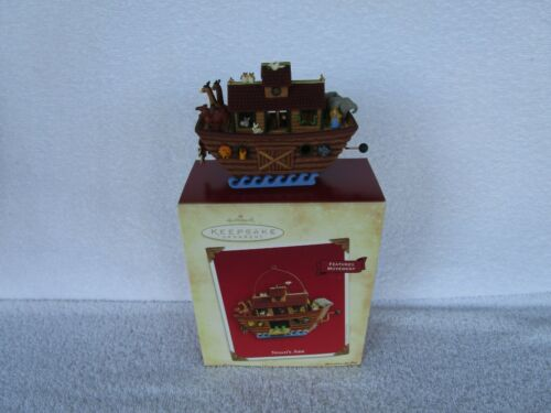 NOAHS ARK Hallmark Keepsake Ornament 2004 Wind up Movement - ~~QUALITY ITEM!!