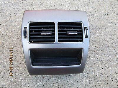 09   12 Jaguar Xf Luxury 4 2L V8 Efi Center Console Rear Air Vent