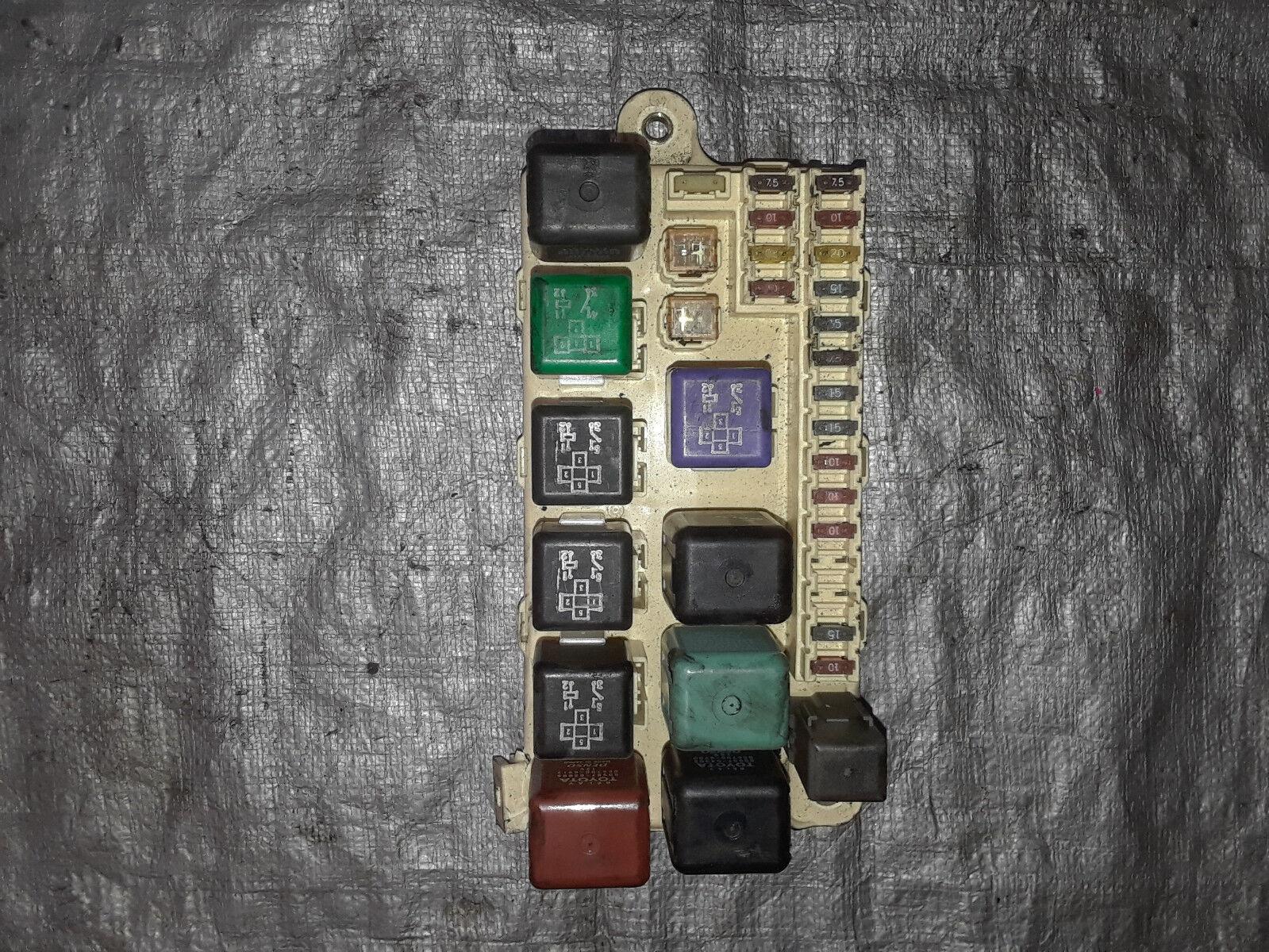 1998-2000 LEXUS LS400 FUSE BOX interior dash panel board relay junction OEM