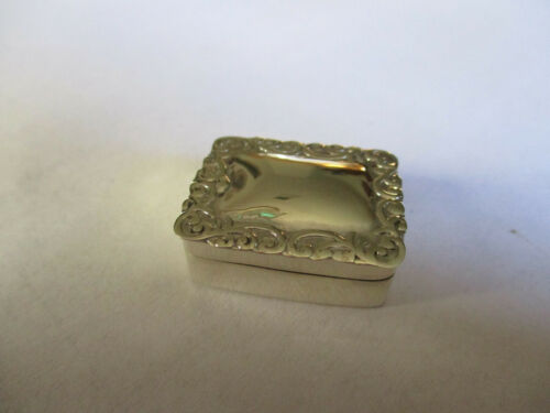 Sterling Silver 925 pill box rectangular shape engraved top 1 inch long 3/4 wide