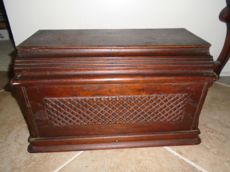 Vintage Singer Treadle Sewing Machine Wooden Scalloped Coffin Cover Cap