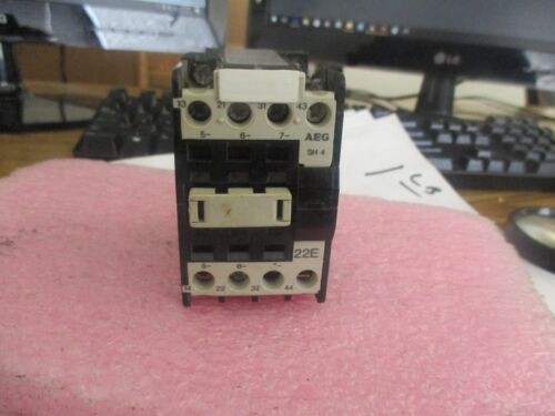 AEG Model: SH4 Motor Contactor.  545-24 .  E-NR 910-302<