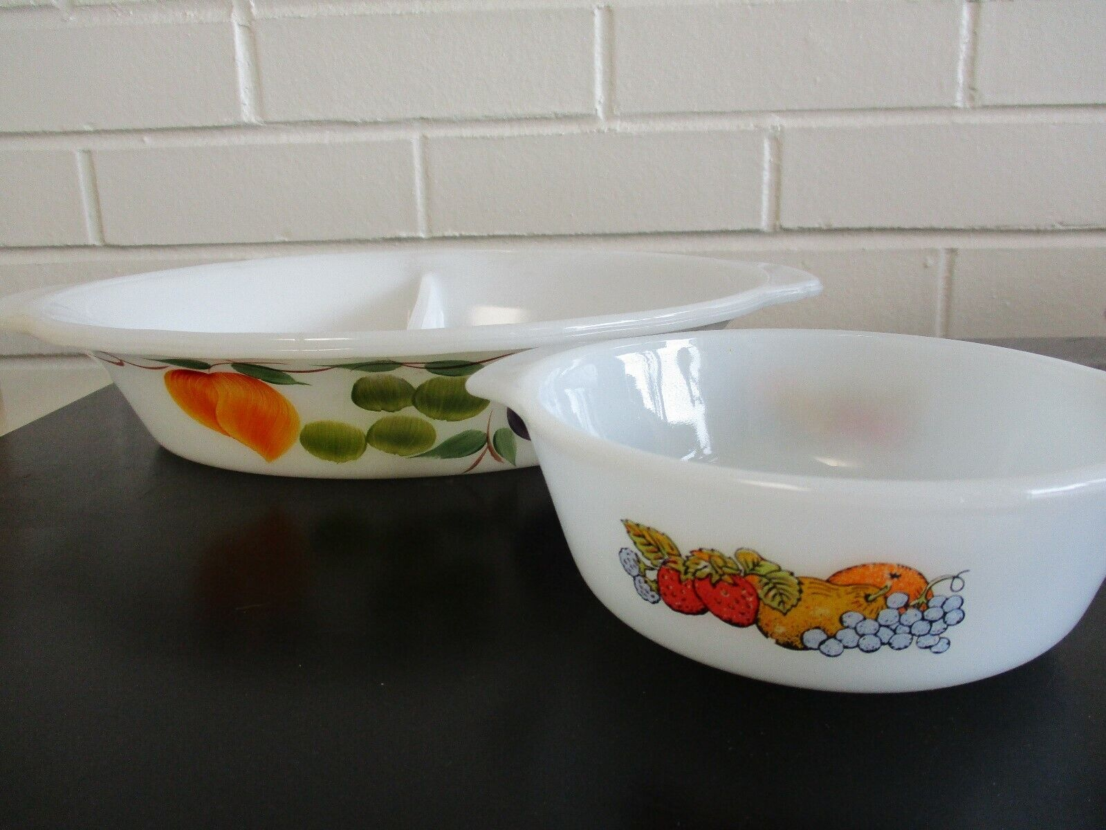 Vintage Oven Microwave Bakeware Serving Dishes Lot Of 2~ Fruit Pattern