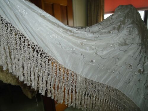 "ANTIQUE VICTORIAN CHINESE SILK EMBROIDERED CREAM PIANO SHAWL 50""x 50"" +7"" FRINGE"