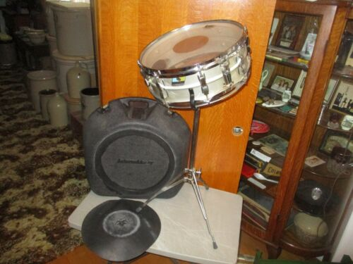 VINTAGE LUDWING SNARE DRUM WITH CASE & STAND BLUE & OLIVE TAG