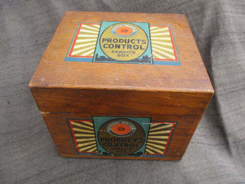 VINTAGE 1940s ? WOOD GENERAL MILLS PRODUCTS CONTROL RECIPE CARD BOX
