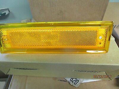 81 82 83 84 85 86 87 CHEVY GMC  Pickup TRUCK 81-91 SUBURBAN SIDE rh marker LIGHT