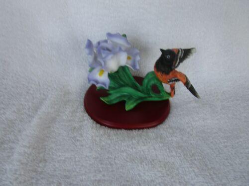 BALTIMORE ORIOLE BIRD Figurine Songbird Porcelain Figurine ~~WITH BASE!!
