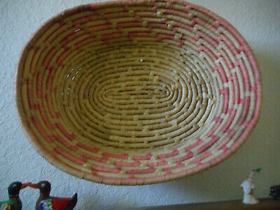 Vintage Pink Oval Basket COLLECTIBLE - Xmas gift idea ()