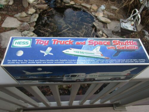 1999 Boxed Hess Truck Big Rig w/ Space Shuttle & Satellite Adult Collector