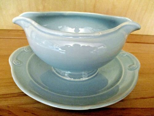 "LuRay PASTELS ""WINDSOR BLUE"" GRAVY SAUCE BOAT w/ATTACHED UNDERPLATE~T.S.&T."