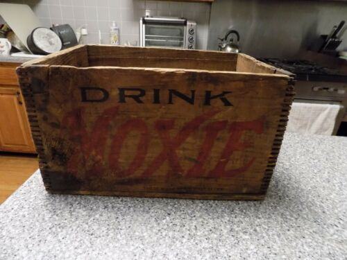 MOXIE Antique Wood Box Crate for Moxie for 7 ounce bottles