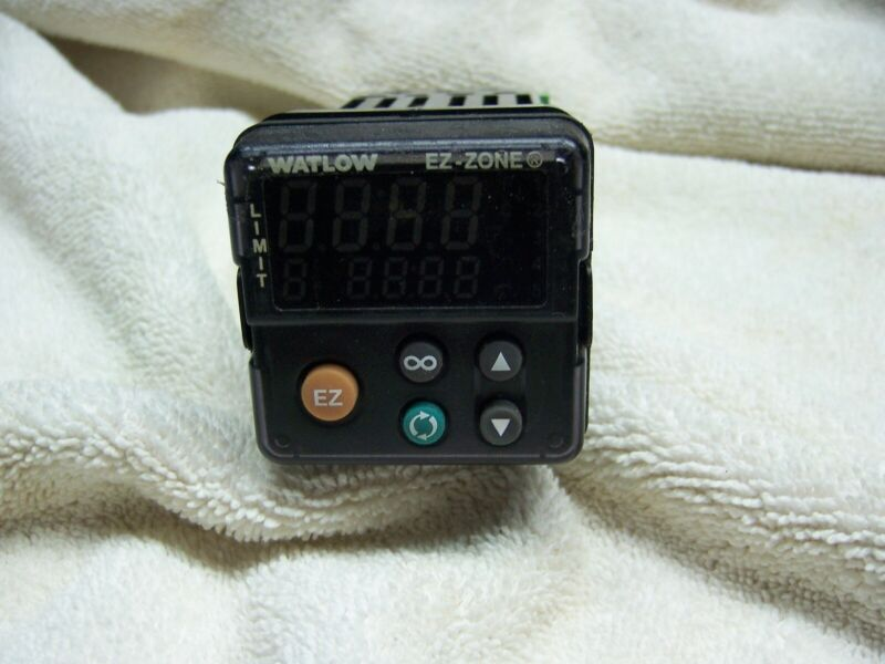 Watlow Model PM6L1A-AAAAAAA Temperature Limit Controller