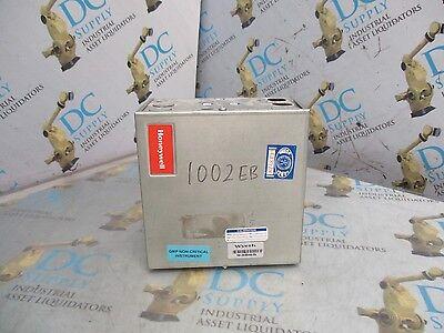 Honeywell R7516b1072 17 24 V 50 60 Hz Class 2 Deltanet Microcel Controller