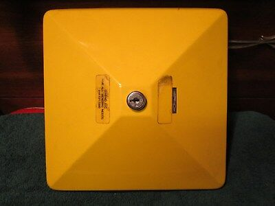 Yellow Lid For U-turn Vending Machine Gumball Candy Top