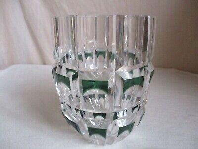 VSL?, petit vase en cristal taillé vert émeraude, de style art-déco, pas signé