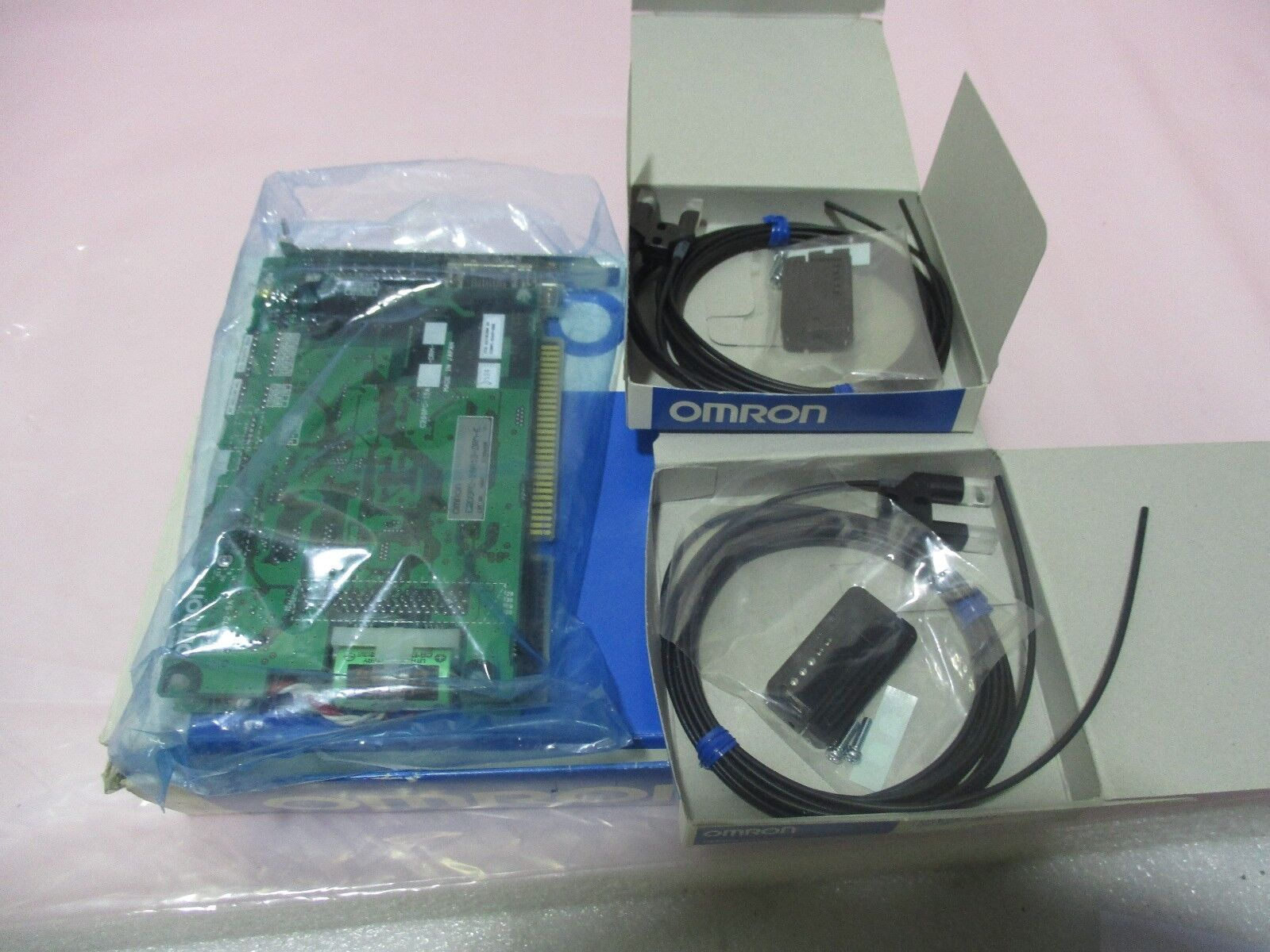 Omron C200PC-ISA13-DRM-E PLC CPU Board, PCB w/ 2 E32-G14 Photoelectric Sw 416359