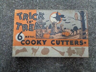 VINTAGE TRICK OR TREAT 6 METAL COOKY HALLOWEEN THEMED COOKIE CUTTERS IN BOX