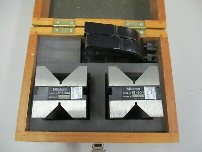 Mitutoyo 181-904 V-block And Clamp Set