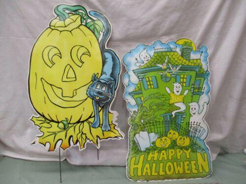 Vintage Corrugated Halloween Plastic Sign 80