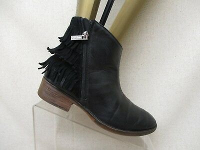 Kenneth Cole Black Leather Side Zip Fringe Ankle Fashion Boots Bootie Size 4