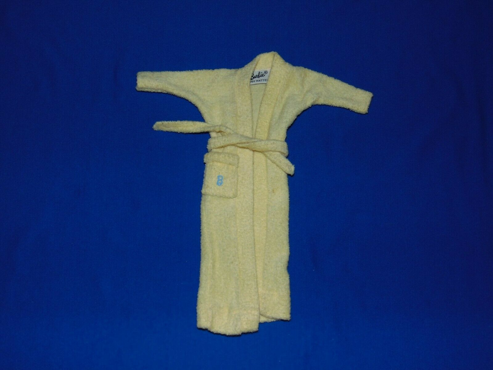 VINTAGE BARBIE SINGING IN THE SHOWER ROBE YELLOW BATHROBE - $14.99