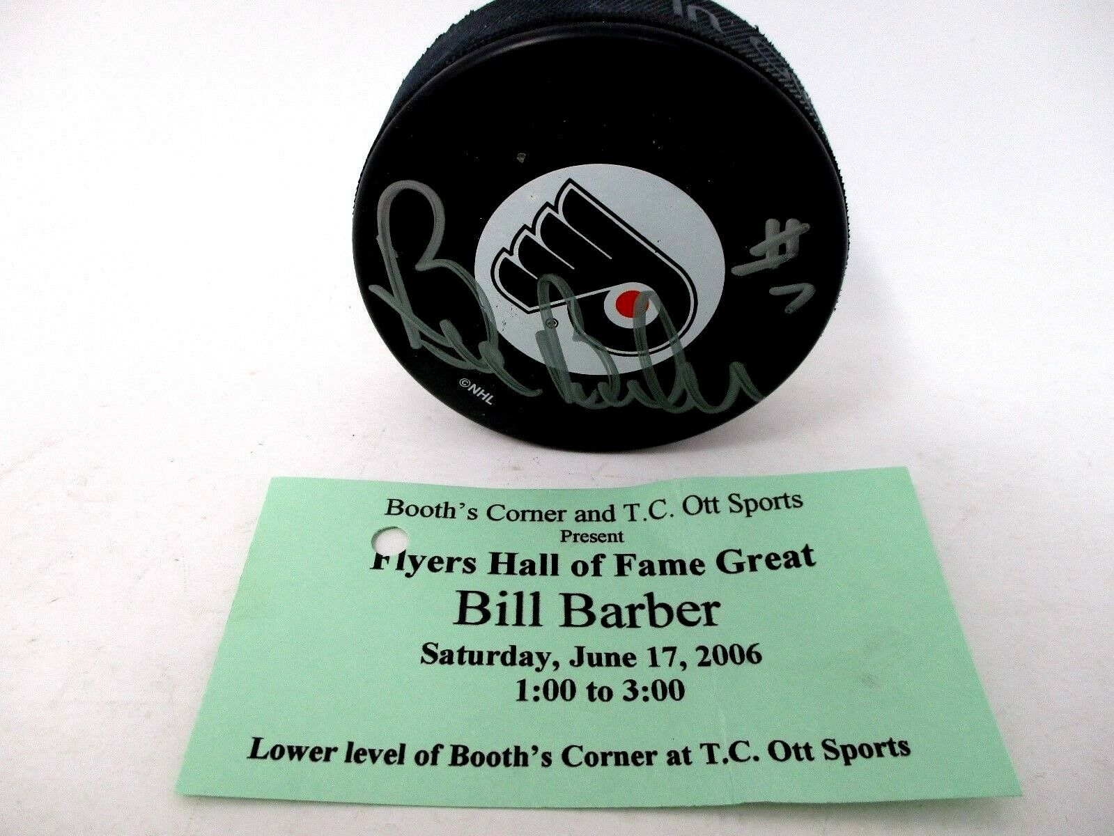 Bill Barber #7 Philadelphia Flyers Autographed Hockey Puck In Display Box