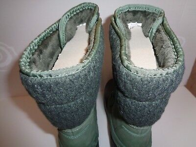 Women`s Winter and Rain Boots with FREE Pair of Socks Duck Green/ Wrought Iron The North Face Womens Socks