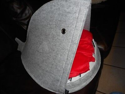 New with Tags Posh Paws Deluxe Pet Shark DOG OR CAT Cave BED