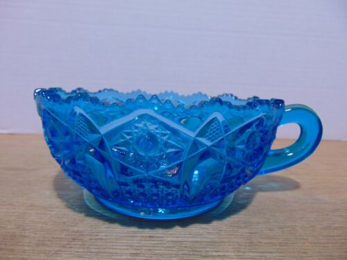 LE Smith Glass Heritage Blue Handled Nappy Bowl McKee Quintec Mould