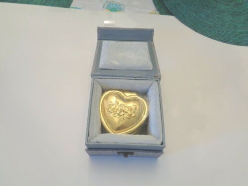 HEY JUNE HAND MADE PRESERVED BLUE ROSE IN GOLD TONE HEART SHAPED BOX