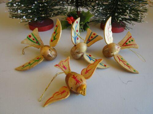 VINTAGE 4 FOLK ART NATURAL WOOD HAND PAINTED BIRD CHRISTMAS ORNAMENTS