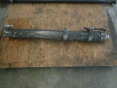 Cat Caterpillar Dp25 Fork Lift Center Cylinder Mast Number 4m25b48