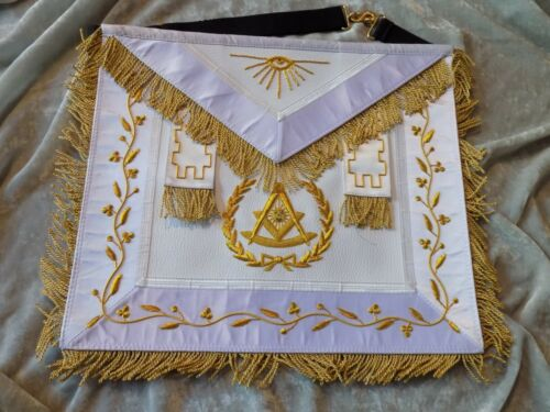 Past Master Gold Bullion Apron with Square Tassels Masonic Satin Pocket NEW!