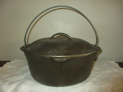 VINTAGE 8 DO BLACK CAST IRON DUTCH OVEN POT, LID, HANDLES, MADE IN USA, 10 1/4""