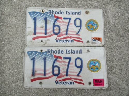 Rhode Island 2013 Army veteran license plate pair #  11679