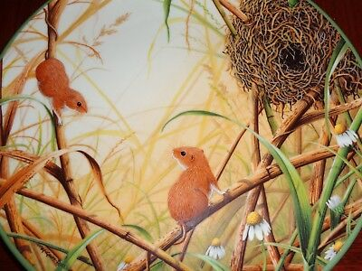Royal Doulton 'HARVEST MICE AT THEIR NEST' Collectors Plate