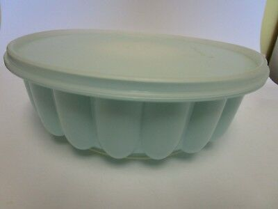 Vintage Tupperware Jell-O Ring Gelatin Mold Round Fluted Mint Green 1202-2