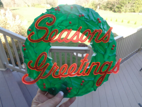 Vinatge Plastic Green Wreath w Berries Seasons Greetings Columbia Protektosite