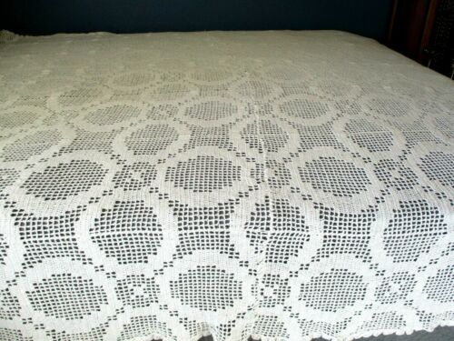 "HAND CROCHET..WHITE..TABLECLOTH / BEDSPREAD..105"" X 77"""