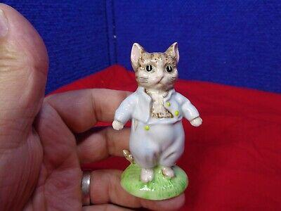 ~*~ESTATE FIND~*~  MINIATURE CAT FIGURINE. #7