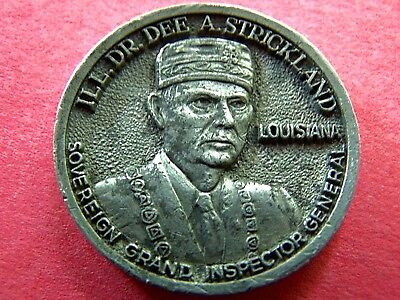 DR. DEE A. STRICKLAND--MONROE SCOTTISH RITES BODIES PEWTER HIGH RELIEF MEDALLION