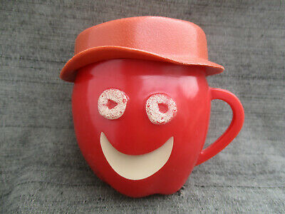 VINTAGE KELLOGGS APPLE JACKS MUG CUP w HAT CEREAL BOX MAIL-AWAY PREMIUM
