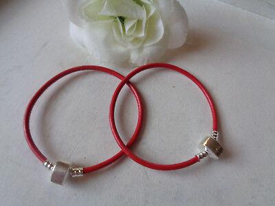 2 Stück Armbänder rot Rindleder einfach Magnet-Klickverschluß