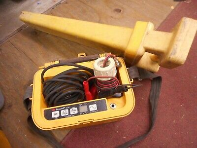 Dynatel Model 2250 Cable Locator With 2273 Wand Transmitter