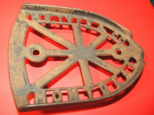 VINTAGE CAST IRON H.R. IVES & CO., MONTREAL.. TRIVET/SAD IRON BASE-LOOK !!